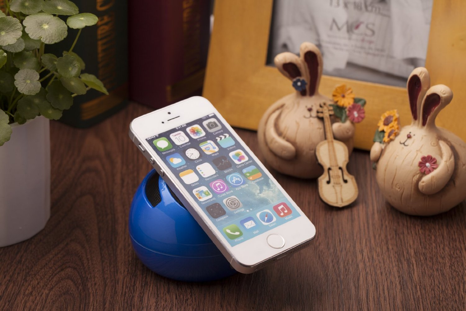 Qorr Portable Mini Travel Capsule Rechargeable Speaker